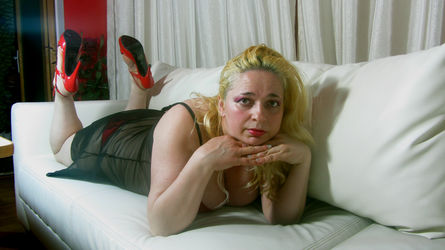 MilfySophie | www.sexcam4chat.com | Sexcam4chat image31