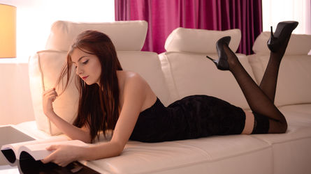 ElisabethAllegra | www.liveeros.com | Liveeros image1