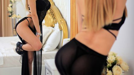 aarina12 | www.livesexindustry.com | Livesexindustry image13