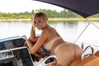 yacht 1