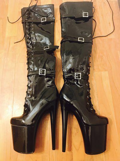 Clothes/Shoes/Tools